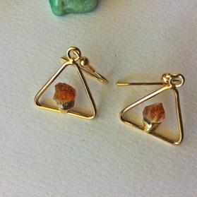 Триъгълни обеци от нешлифован цитрин