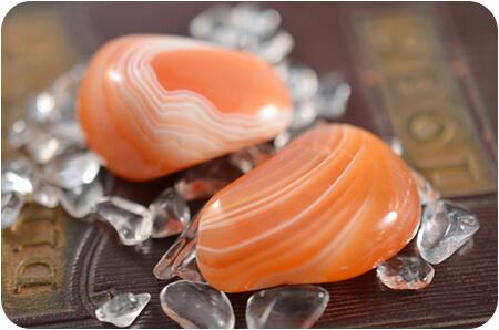 полирани камъчета червен ахат